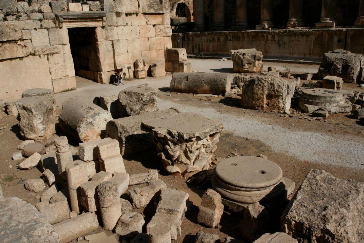 Blocs : Ruines de Baalbek et Tableaux de Francis Bacon