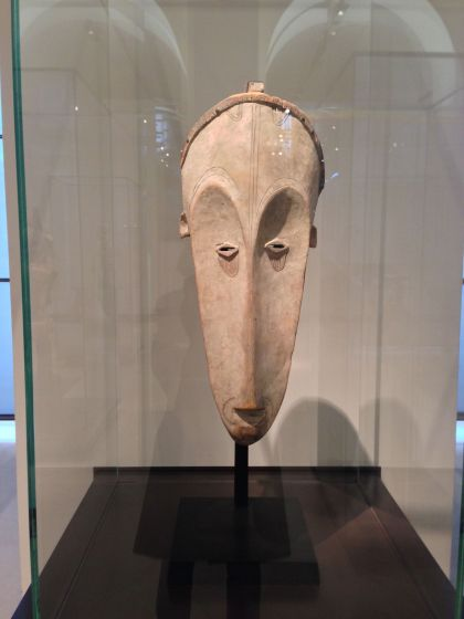 Statue arts premiers -Gabon